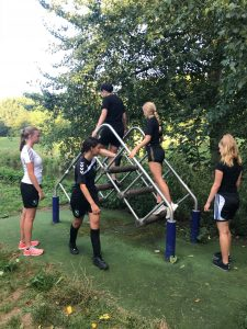 RCD MO17-1 van start met training in het Wantijpark. 2